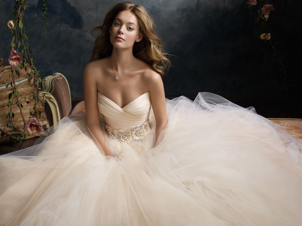 vestuviniu sukneliu nuoma