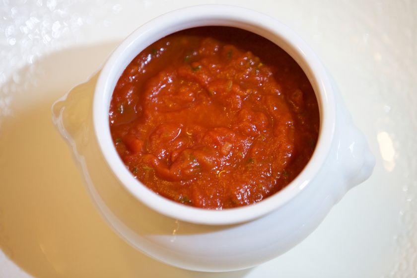 Pomidorų padažas ir kečupas: kuo skiriasi ir kaip pasigaminti patiems?