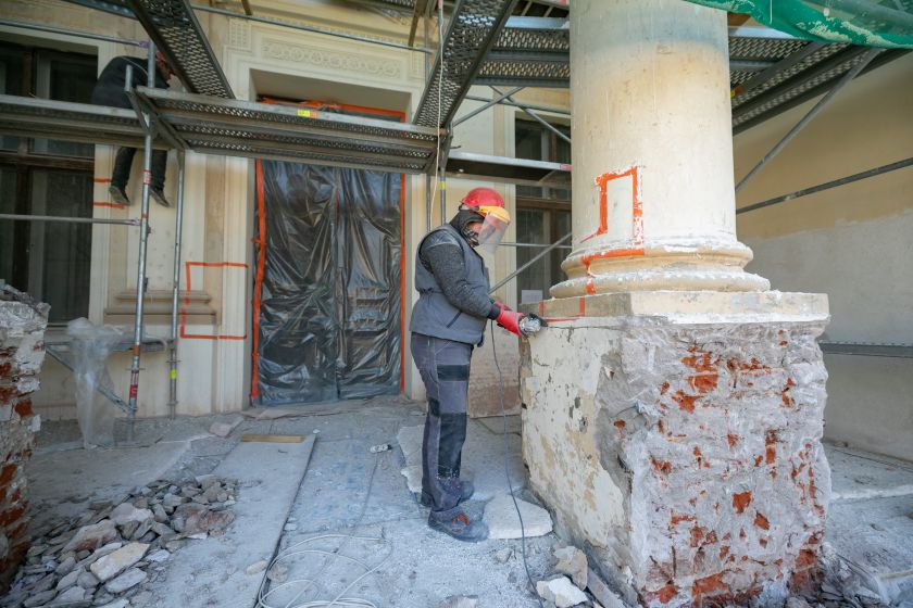 Trakų Vokės dvaro sodybos atgimimas: gražėjantys rūmai ir antram gyvenimui prikeliamas parkas