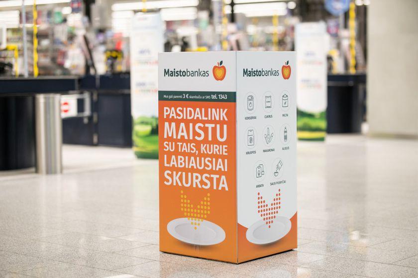 """""""Maximos"""" klientai """"Maisto bankui"""" paaukojo produktų už daugiau nei 17 tūkst. eurų"""