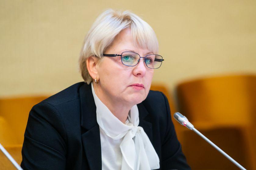 """Seimo Sveikatos reikalų komiteto pirmininkės Astos Kubilienės pranešimas: """"Kodėl atlyginimai didėja ne visiems medikams?"""""""