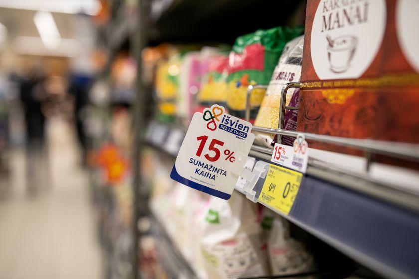 Sumažinus lietuviškos produkcijos kainas pirkėjai jau sutaupė per 3 mln. eurų