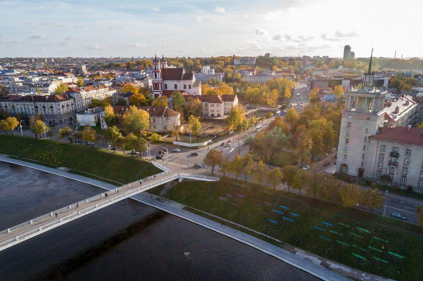 Vilnius tobulins Neries kairiosios krantinės projektą