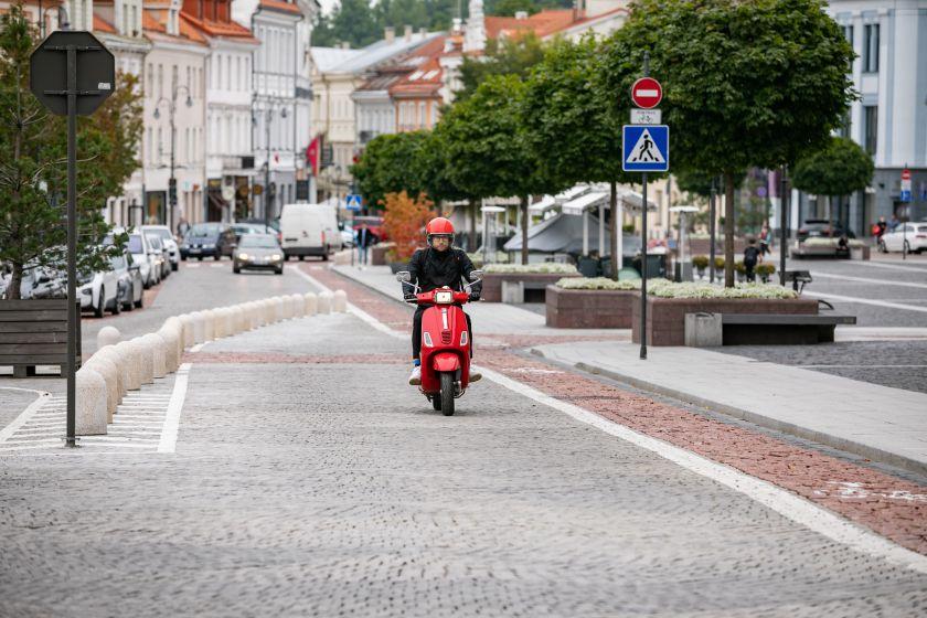 """""""Dviračių gatvės"""": už lygias dviratininkų ir automobilininkų teises ramaus eismo keliuose"""