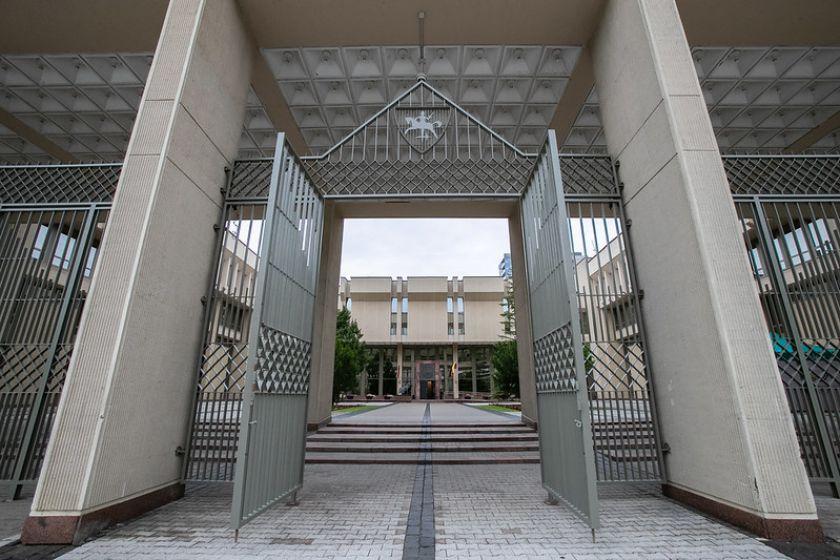Visuomenei atvertame Seimo Didžiajame kieme – politiniai debatai