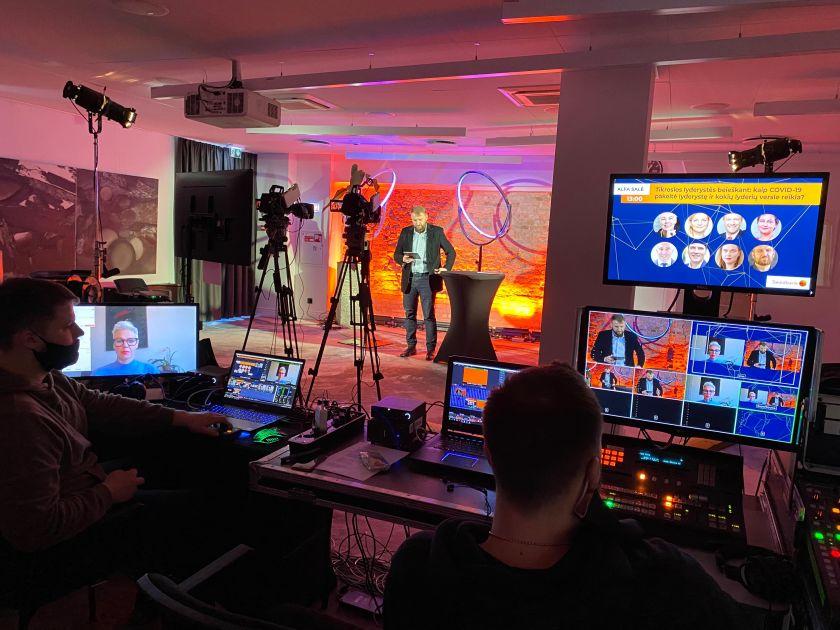 10 000 dalyvių pritraukusios online konferencijos užkulisiai: kaip sukurti gyvo renginio įspūdį ir kaip prisijaukinti kibernetinių atakų saugos programas