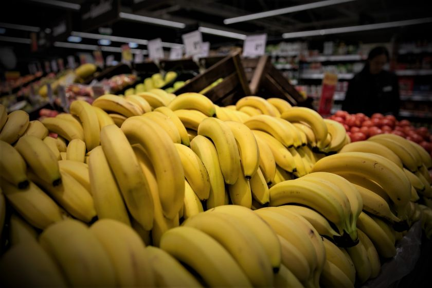 Prekybininkai atskleidė, kokią prekę lietuviai perka dažniausiai: šiandien visiems įprastas vaisius kadaise į Lietuvą buvo vežtas kontrabanda
