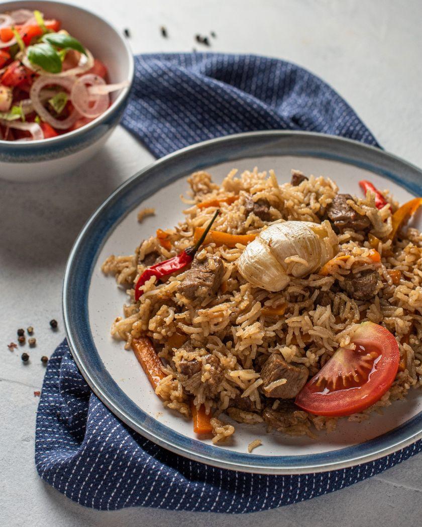 Į vasarišką lauko virtuvę – rytietiška egzotika: kaip ant laužo paruošti tobulą uzbekišką plovą