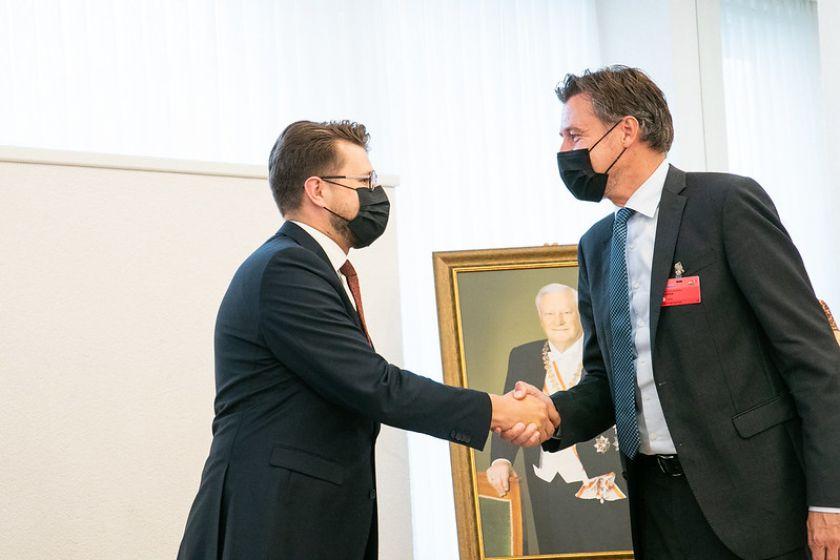 Seimo nario Luko Savicko pranešimas: parlamentaras susitiko su Tarptautinės ekonominio bendradarbiavimo ir plėtros organizacijos vadovo pavaduotoju Ulriku Vestergardu Knudsenu